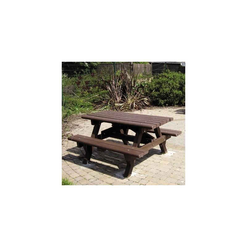mobilier table de pique nique en recycl fournisseur de mobilier urbain en recycl dmc direct. Black Bedroom Furniture Sets. Home Design Ideas
