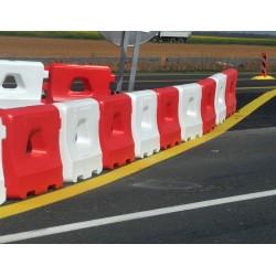 Séparateurs de voies rouges et blancs