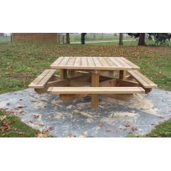 Table aire de repos en bois carrée pour collectivités
