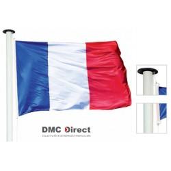 Drapeau ou pavillon français hisser sur un mât - DMC Direct