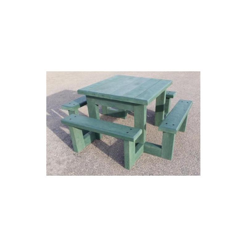 Table de pique-nique en recyclé pour enfant, table en plastique pour enfant  Pom d\'Api