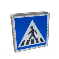 Panneau passage piétons lumineux autonome type A13b