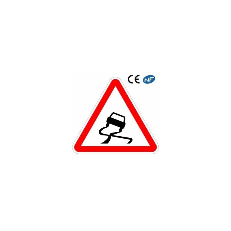Panneau de signalisation chaussée particulièrement glissante (A4)