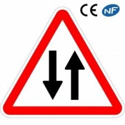 Panneau de circulation dans les deux sens (A18)