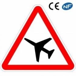 Panneau Danger Traversée d'une aire dedanger aérien (A23)
