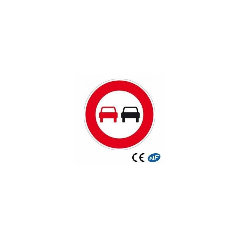 Panneau de circulation interdiction de dépassement