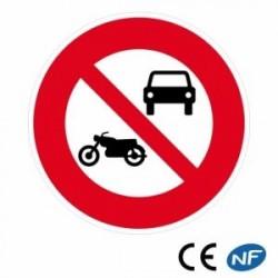 Panneau routier interdit aux véhicules à moteur sauf cyclos (B7a)