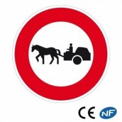 Panneau designalisation accès interdit aux véhicules à traction animale (B9c)