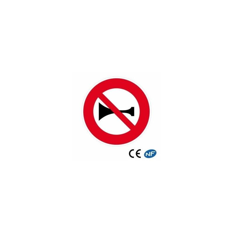 Panneau decirculation indiquant une interdiction de klaxonner (B16)