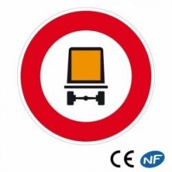 Panneau designalisation interdit aux véhicules demarchandises dangereuses (B18c)