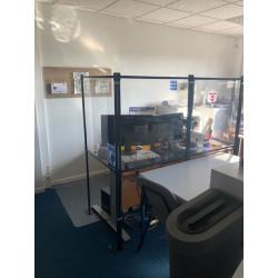 Paroi light pour protection Covid dans les bureaux partagés